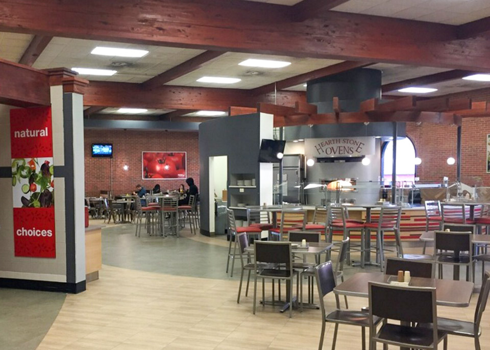 Dining options and experiences at Chesapeake Dining Hall